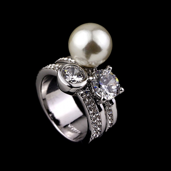 plated silver / gold large pearl diamond ring us size 6-8