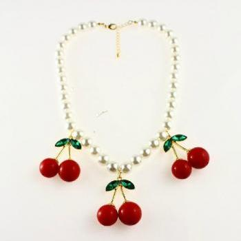 VI VI magazine three cherry Pearl Necklace